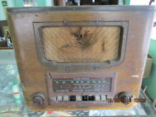 RCA antique radio with shortwave and other bands