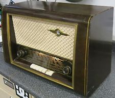 VINTAGE 1950s NORDMENDE CARMEN MULTI-BAND SHORTWAVE WOOD TUBE RADIO GERMANY