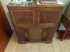 Antique Zenith Radio 1942 AM FM Radio Phonograph Console Furniture