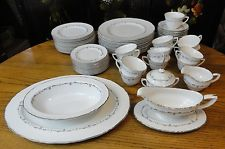 Vintage MCM ROYAL WORCESTER Bone China SILVER CHANTILLY 67 Pc. DINNER SET for 12